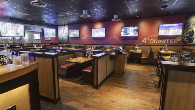Begin Glory Days Grill Restaurant Virtual Tour: Barcroft Plaza, VA location